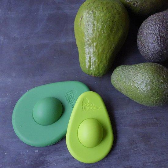 2 Avocado Huggers in het licht en donker groen
