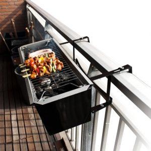 Balkon barbecue en plantenbak
