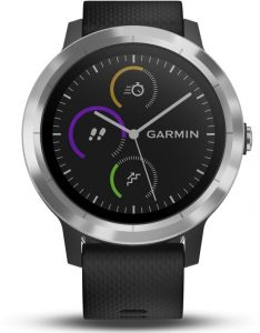 Zwarte smartwatch van Garmin met grijze rand