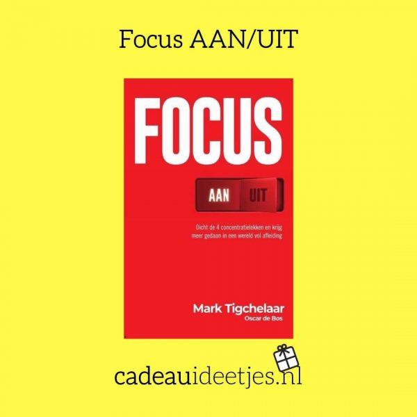 Focus AAN UIT boek